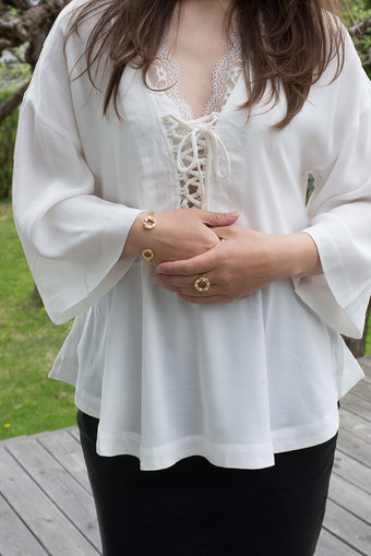 Frontrow - Amy Blouse Lace Off White