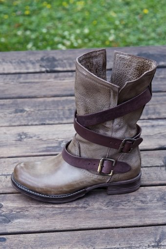AMUST - Medium washed boots Fango