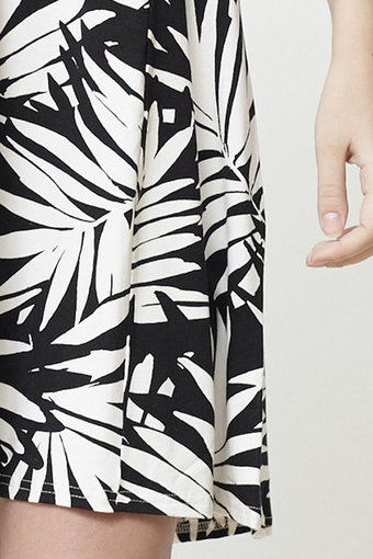 Isay - Kalla Jersey Dress Palm Print