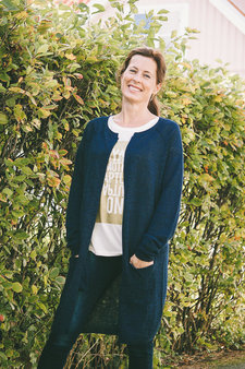 Second Female - Almond Knit Cape Navy