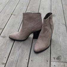 Stylesnob - Evian Boot Grey