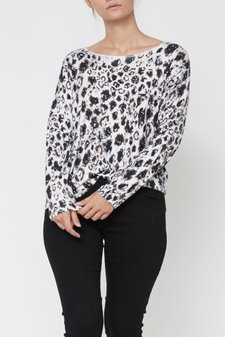 Isay - Rubi O-Neck Pullover Autumn Animal