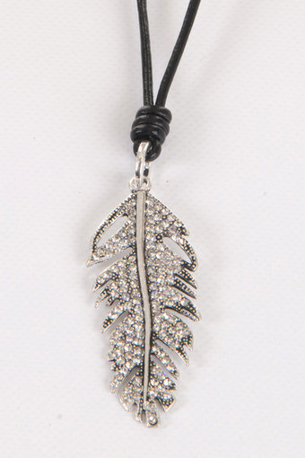 Barfota - Necklace diamond feather