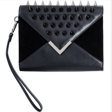 Frontrow Living - Queen Clutch Black Gun