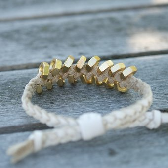 Frontrow Living - Braided Tool Bracelet White Gold