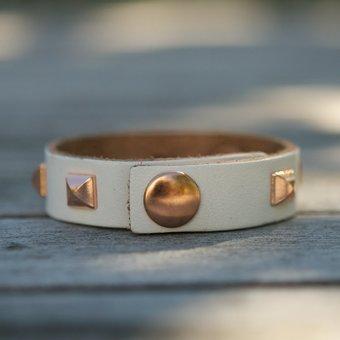 Frontrow - Small Pyramide Bracelet Napa White Rose Gold