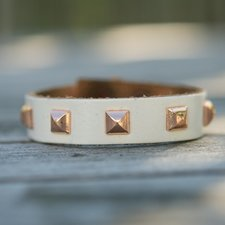 Frontrow - Small Pyramide Bracelet Napa White Rose Gold