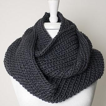 Maya - Scarf Heavy knitted tube Grey