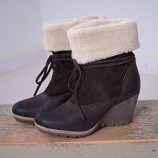 Cream - Boots Fur Wedge Dark Brown