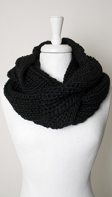 Maya - Scarf Heavy knitted tube Black