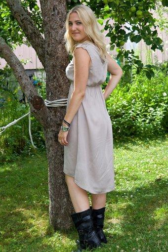Cream - Kirsten Dress Taupe