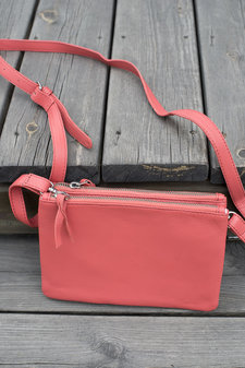 UNMADE - Soft Solid Duo Bag Raspberry
