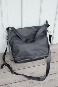 UNMADE - Soft Solid Hobo Bag Black