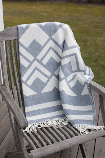 Cozy Living - Pläd Boeg Flint Blue