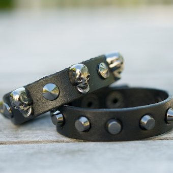 Frontrow - Small Scull Bracelet Black/Gunmetal