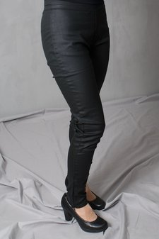 by Ti Mo - Coated jeans Irene Black