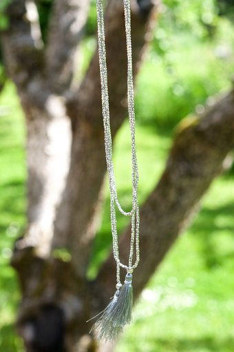 Soul of Maïa - Halsband Blossom Grå