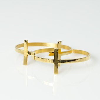 B.Loved - Cross Bracelet Yellow Gold