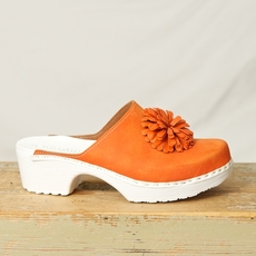 A. Nordin - Pom Pom Clogs Orange